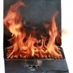 020413_burning_laptop_img2